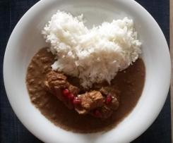 Fesenjān - persisches Huhn in Walnuss-Granatapfel-Soße