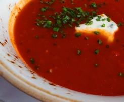 Tomaten-Mango-Suppe mit Feta / Schafskäse