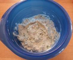 Kräuter-Frischkäse-Dip mit Lavendel