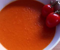 Asiatische Tomaten-Kokoscremesuppe