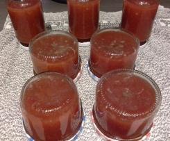 Marmelade aus Früchten mit Sekt oder Prosecco