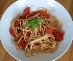Spaghetti mit Knoblauchsoße