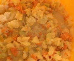 Schneller Rohkostsalat mit Kohlrabi, Karotte, Paprika und Joghurtdressing