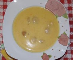 Kartoffelcremesuppe mit Würstchen