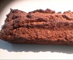 Süßes Roggen-Dinkel-Brot mit Nüssen und Rosinen