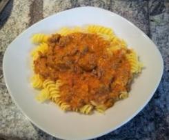 Bolognese Soße mit  Nudeln