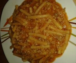Macceroni al sugo con Salsiccia (Macceroni mit Tomatensauce und Italienische Bratwurst)