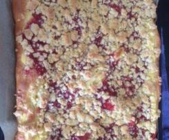 Streuselkuchen mit Vanillepudding,Erdbeer-Rhabarbermarmelade