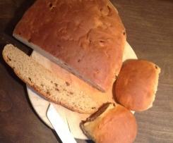 Rosinen- Dinkelstuten / Dinkelbrötchen mit Buttermilch