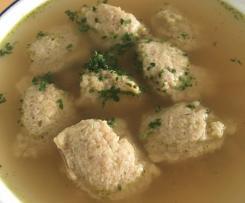 Grünkern-Klösschen-Suppe