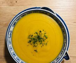 Rote Linsen-Orangen-Suppe