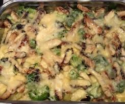 Brokkoli-Kartoffel-Hähnchen Auflauf