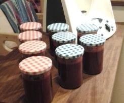 Erdbeermarmelade mit Schokolade und Chili