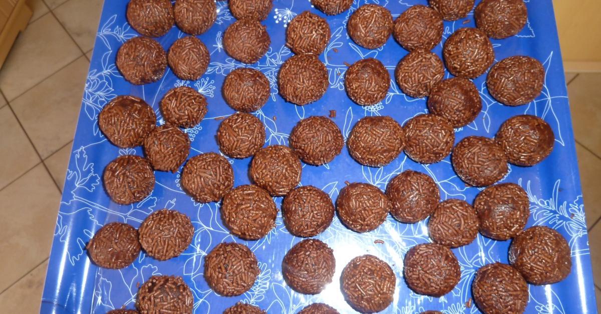 Rumkugeln aus Kuchenbrösel von wsonja24. Ein Thermomix ® Rezept aus ...