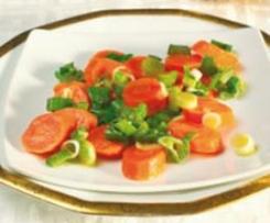 Möhrengemüse mit Frühlingszwiebeln