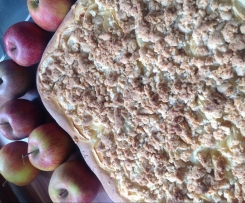 Apfelkuchen a la Tante Dora mit Butter-Mandelstreusel
