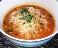 Tomatensuppe mit Shirataki- Nudeln