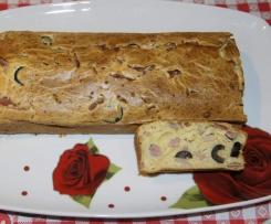 Plumcake mit Schinken und Schwarzen Oliven