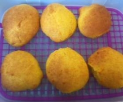 Fluffige Dinkel-Karotten-Semmel (vegan)