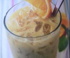 Orange - Ananas - Smoothie mit Kokos