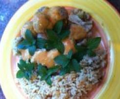 WW Hackbällchen mit Blumenkohlreis und Currysauce