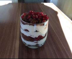 Trauben-Granatapfel-Dessert