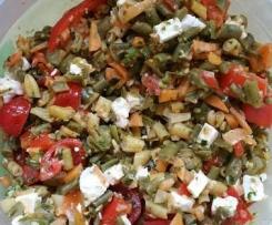 Variation von Italienischer Bohnensalat  =Kunterbunter Brotsalat