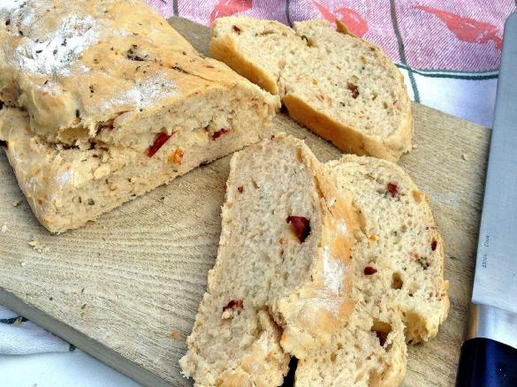 ciabatta brot mit getrockneten tomaten und pepperoni von sarahlivinghealth ein thermomix. Black Bedroom Furniture Sets. Home Design Ideas