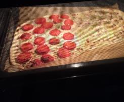 Flammkuchen mit Tomate