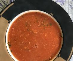 Tomatensuppe mit Ei und Gries