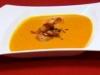 Kürbiskarottenkokos Cremesuppe mit frischen Garnelen