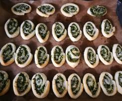 Blätterteigschnecken mit Spinat und Feta
