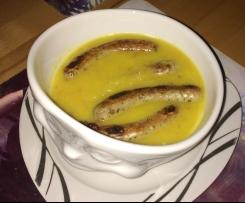 Kartoffelsuppe mit Nürnberger Würstchen