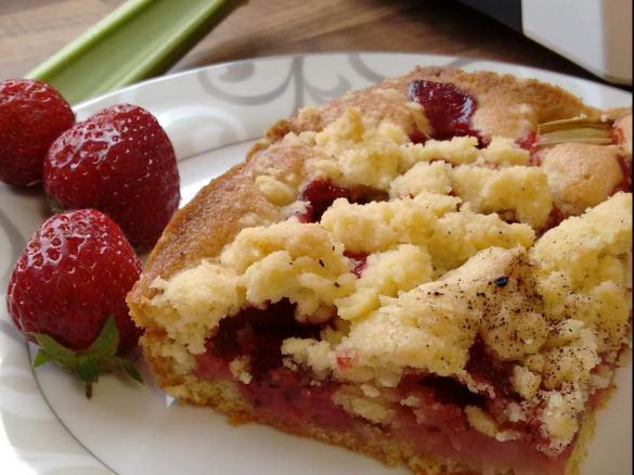 Erdbeer Rhabarber Streuselkuchen Von Gretasmama Ein Thermomix