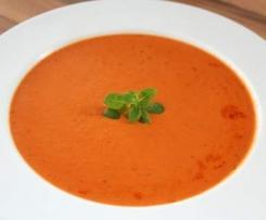 Schnelle Cremige Tomaten-Kokossuppe