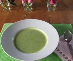 Variation von Bärlauch-Suppe