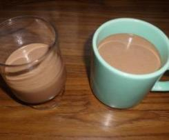 Heisse oder kalte Schokolade mit Cashews