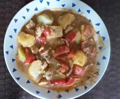 Hähnchengyros mit Metaxasauce und Kartoffeln