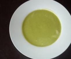 Blumenkohl-Brokkoli-Käse-Suppe