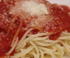Nudeln in Tomatensoße