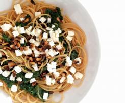 Spaghetti mit Schafskäse und Spinat