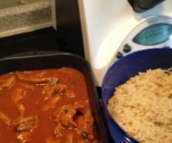 Schaschliktopf mit Reis und feuriger Soße