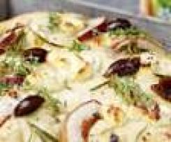 Focaccia mit Ziegenfrischkäse und Birne