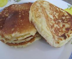 Amerikanische Buttermilch/Mais Pancakes
