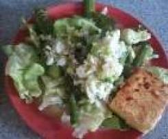 Spargelsalat mit Eiervinaigrette und gebratenem Feta - light
