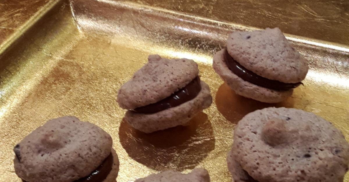 nussbusserl mit schokotr pfchen glutenfreie pl tzchen von keksfan ein thermomix rezept aus. Black Bedroom Furniture Sets. Home Design Ideas