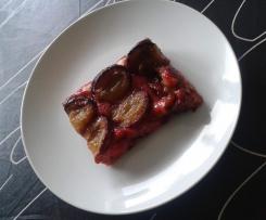 Traditioneller Pflaumenkuchen vom Blech