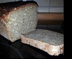 Dinkel-Quinoa-Chia-Brot, weizenfrei
