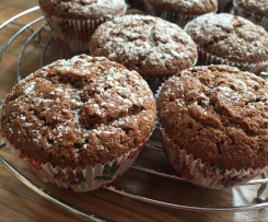 Variation von Karotten-Nuss-Muffins mit Schoko und Zimt