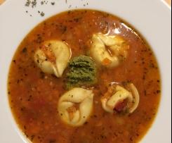 Tortellini- Suppe mit Gemüse